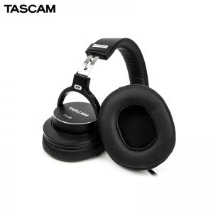 Tascam TH-06
